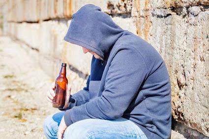 Comportamento di chi ha Problemi di Alcolismo